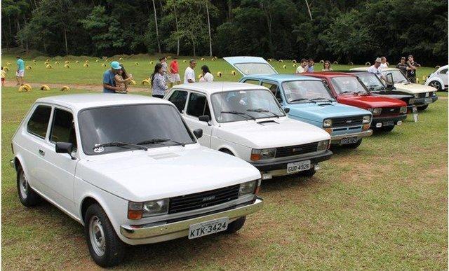 Fiat Brasile 40 anni (1976-2016) - Pagina 4 Fiat_147_Clube