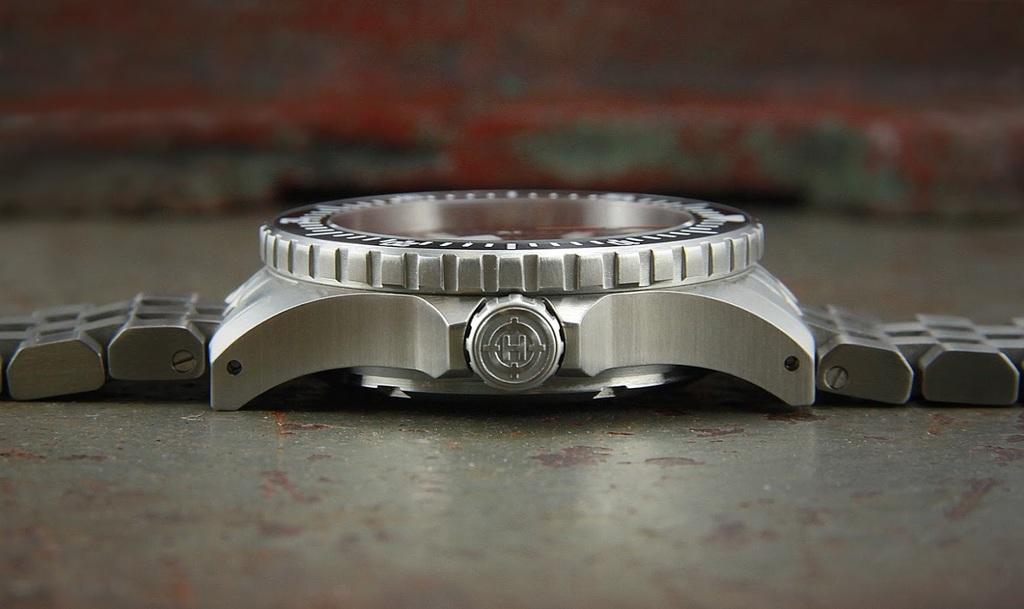 Helm Watches H0ohs7_TJKUGn5_ID5_TLu_Sp_RPUWam34g_HOf9_Azwfay8_ZG_ar_DQ