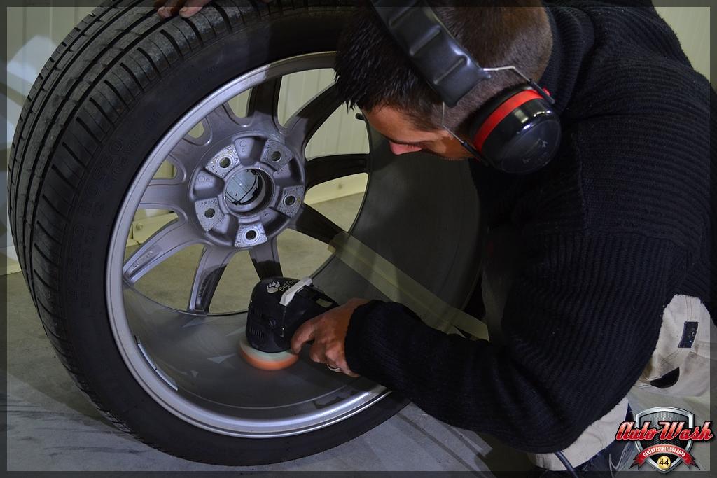 Bastien, d'AutoWash44 / Vlog n°6 - Macan S, 997 et 911 GT3 - Page 2 001_2