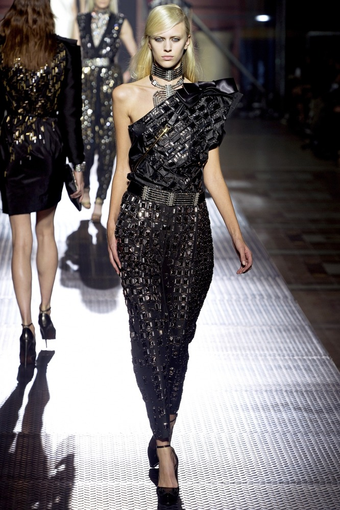 Гардероб наших леді в колекціях fashion дизайнерів - Страница 3 186e764ee8e93ceb84b6362483bacfba