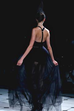Гардероб наших леді в колекціях fashion дизайнерів - Страница 3 53e681eb5ead6944aaf2dc87651ce14b