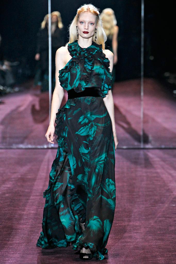 Гардероб наших леді в колекціях fashion дизайнерів - Страница 4 769d409e8efc0013202cef1f3f9b6b08