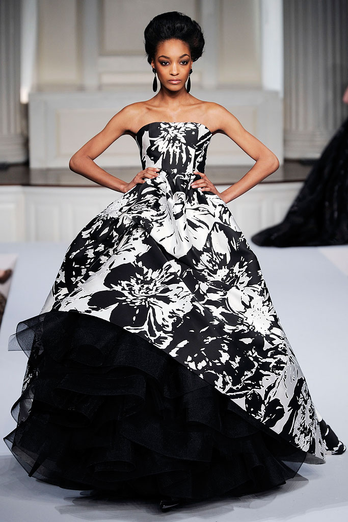 Гардероб наших леді в колекціях fashion дизайнерів - Страница 4 D42af3b1e8babb00b7c355123d57f1e2