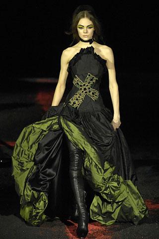 Гардероб наших леді в колекціях fashion дизайнерів - Страница 4 D7b2a2cd5662af79117ece9d794a28fe
