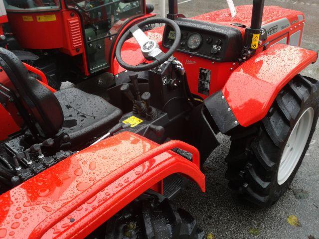 Traktori  Antonio Carraro opća tema  - Page 7 Ac-jona-5500-letnik-2014-prostor-za-voznika