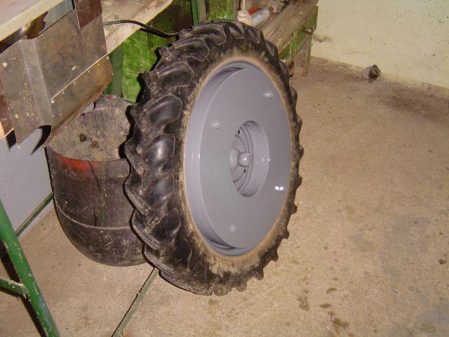 Prodajem ili mjenjam UTEG ljevog kotača moto kosačice BCS 20503661