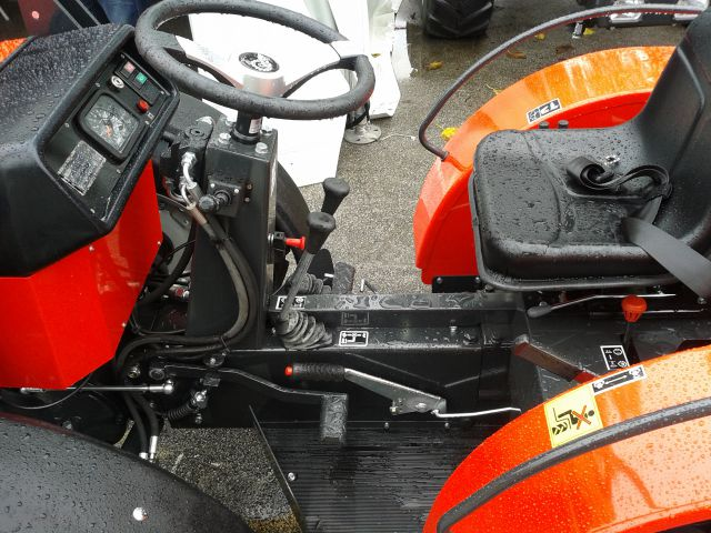 Traktori AGT Agromehanika Kranj 21940350