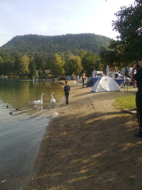 Forumaši i motori  - Page 2 Kamp-ob-jezeru-je-bil-prelep