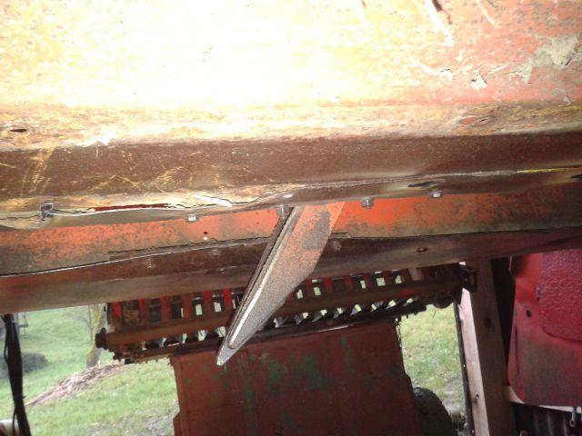 Preša Vazzolar-njen remont Snemanje-drsne-plocevine-na-stropu-polnilnega-kanala