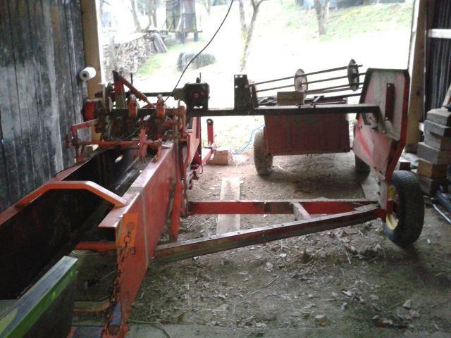 Preša Vazzolar-njen remont Preostalo-ogrodje-stroja-ko-na-njem-ni-vec-nobene-plocevine