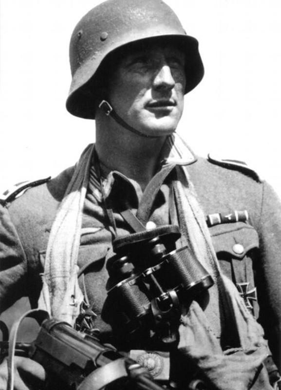 Mis apuntes de WWII - Página 2 CREU_FERRO