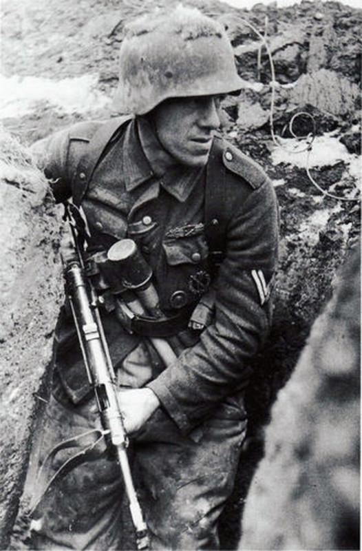 casco - Mis apuntes de WWII - Página 3 M_24