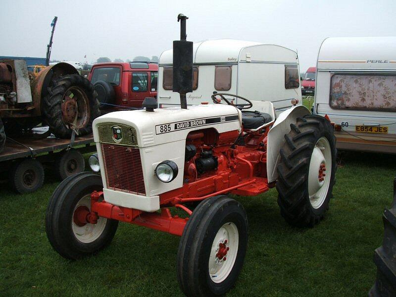 Hilo de tractores antiguos. - Página 40 David_brown_885_02