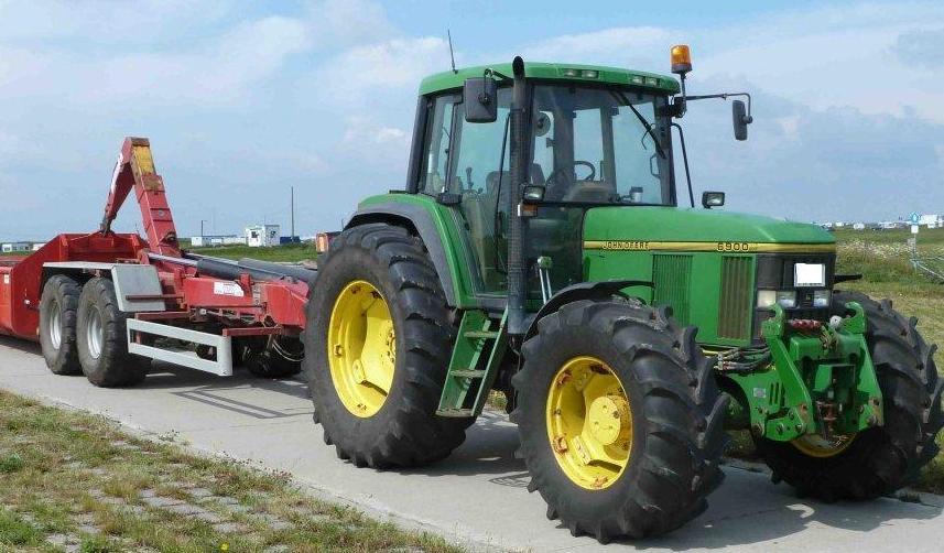 Hilo de tractores antiguos. - Página 22 John_deere_6900