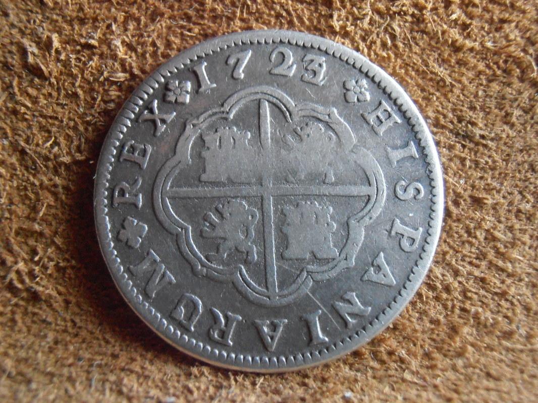 2 reales de Felipe V - Segovia: VARIANTES P4100009