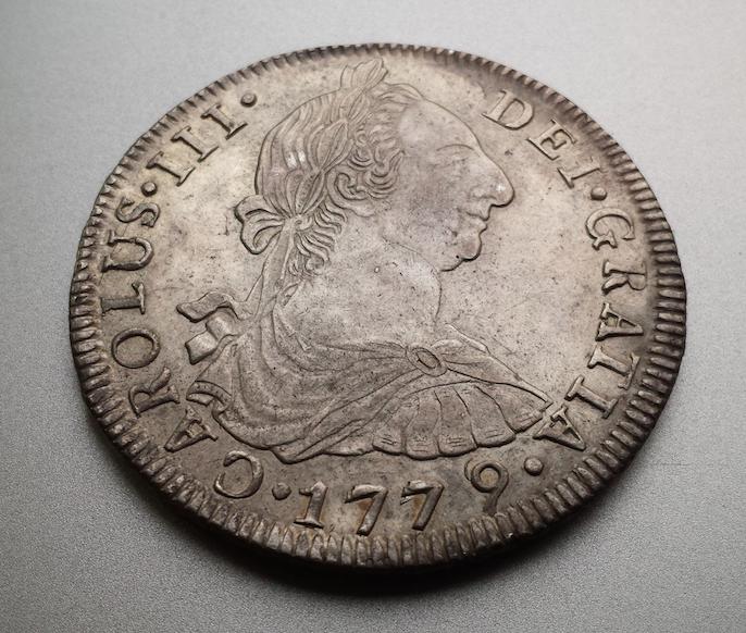 8 reales 1779. Carlos III, Potosí Captura_de_pantalla_2015_03_17_a_les_20_26_19