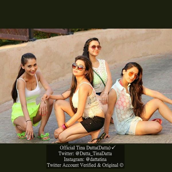 ტინა დუტა / Tina Dutta - Page 3 Bx_Fu2t_FCYAAt1_EE
