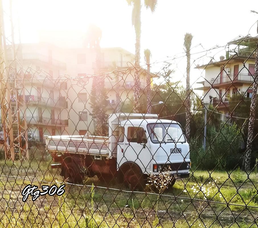 Veicoli commerciali e mezzi pesanti d'epoca o rari circolanti - Pagina 38 IMG_20170725_211717