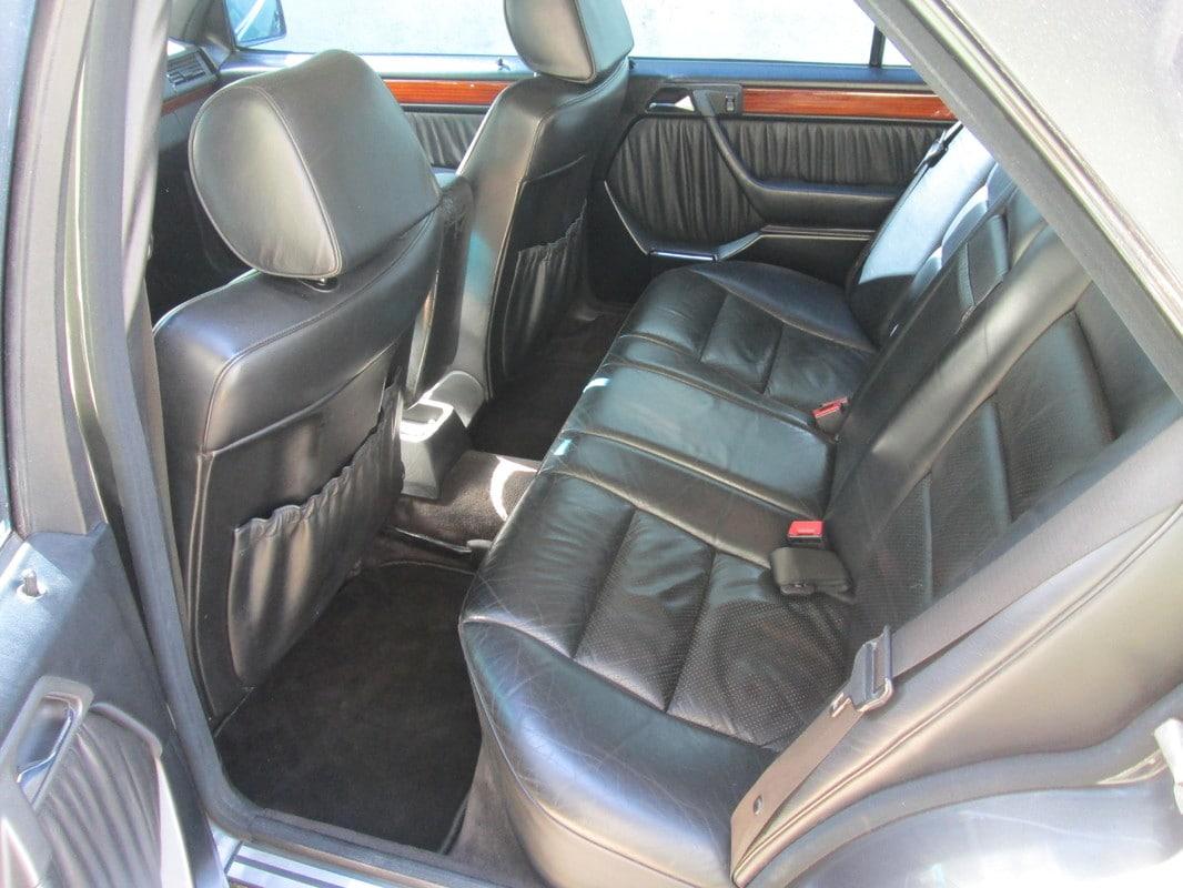 W124 300E-24v 1992 - R$15.000,00 IMG_1187