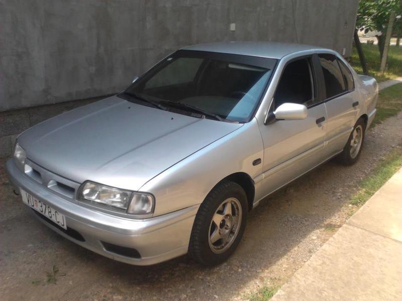 Nissan Primera P10 426814_247900158662256_1349979151_n
