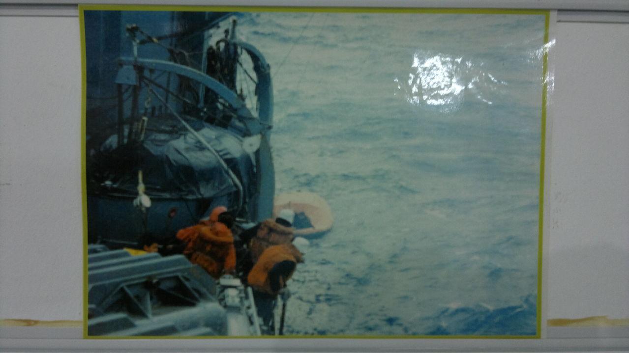 FOTOS  DE LA GUERRA ... - Página 42 010420147243