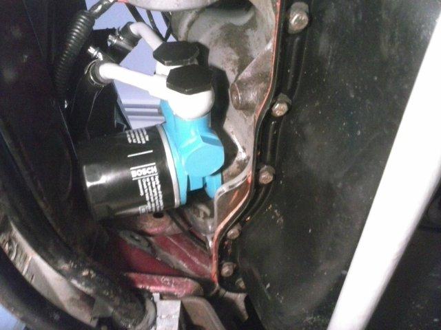 Hladnjak ulja, pregrade u karteru i druga resenja za bolje podmazivanje motora CAM02384