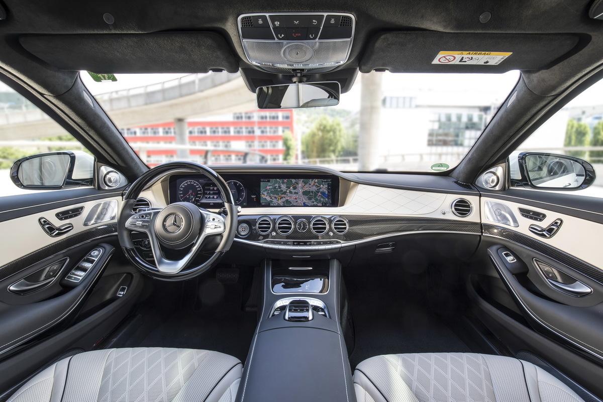A Direção Autônoma pela Mercedes Mercedes-_S-_Class-12