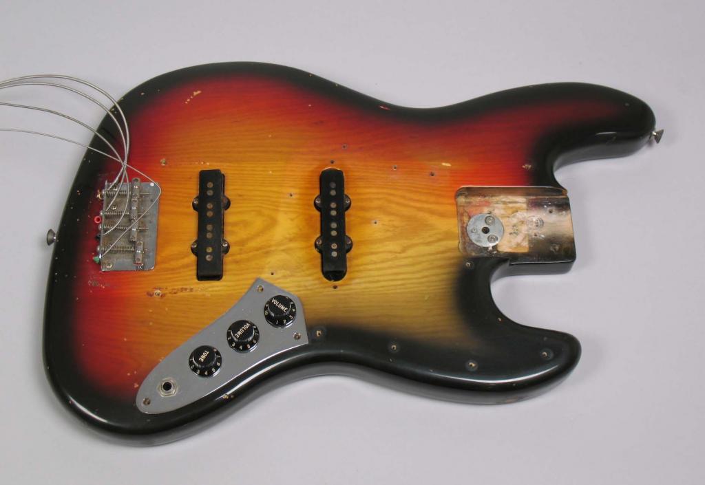 Fender Jazz Bass 1978 Original - Consegui!!! 1978_Fender_Jazz_Bass_Sunburst_OHSC002