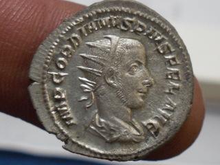 Antoniano de Gordiano III. VICTORIA AETERNA. Roma. SAM_3665