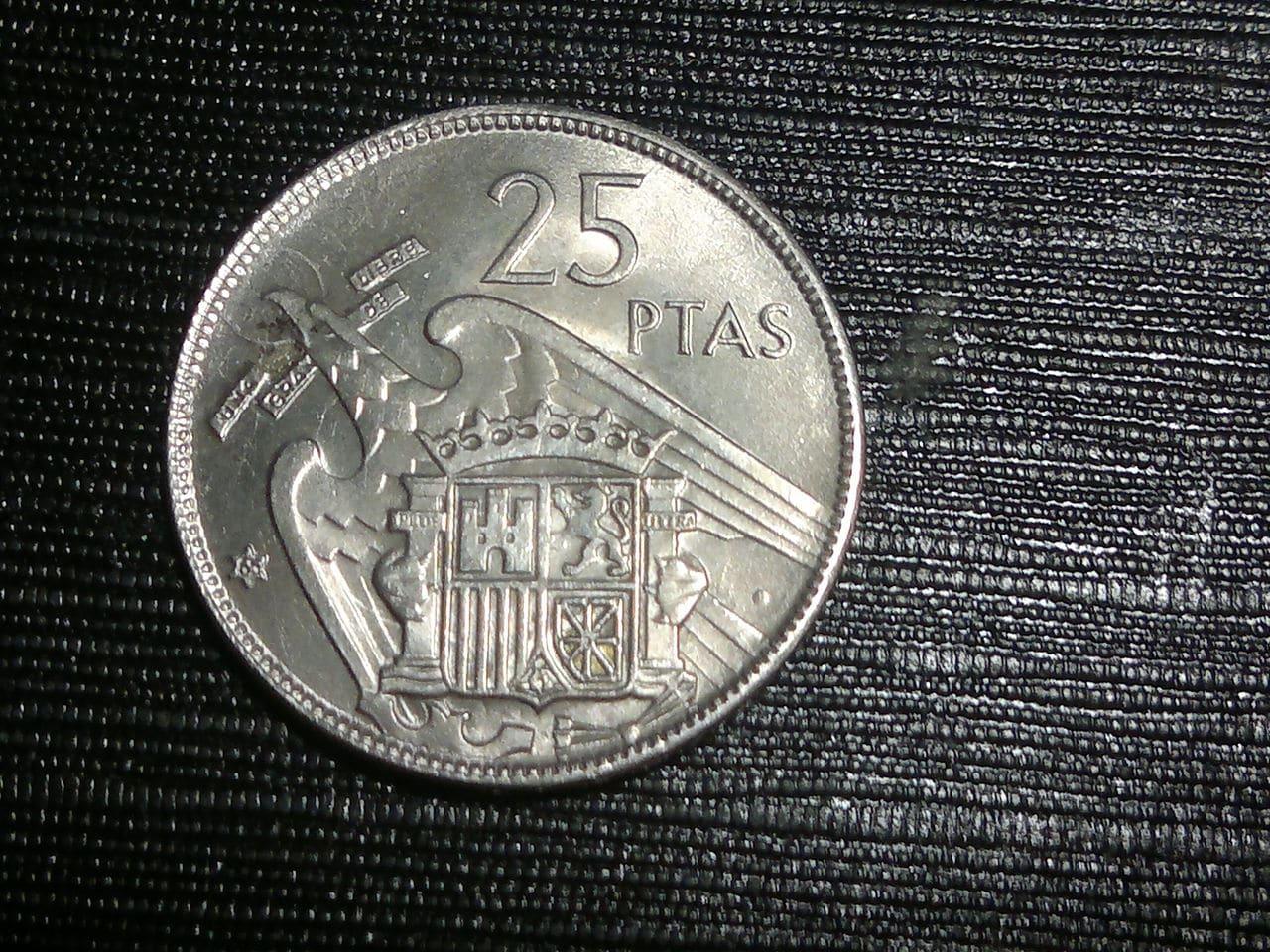 25 pesetas 1957 Estado Español 2014_01_28_2642