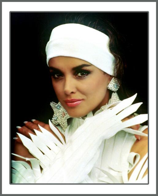 Лусия Мендес/Lucia Mendez 3 A59b4bb989d9
