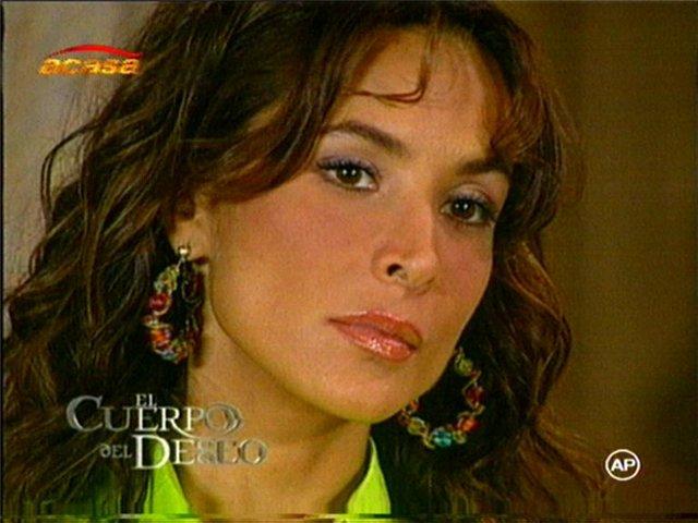 Лорена Рохас/Lorena Rojas - Страница 4 Fa1d87fc650e