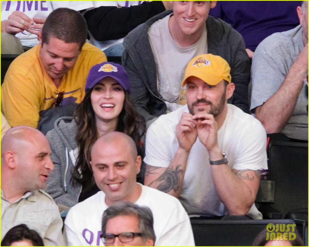 Megan Fox - Страница 6 4bbd9be2bb71