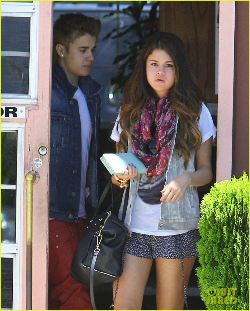 Selena Gomez | Селена Гомес - Страница 4 Bcd4b89a428d