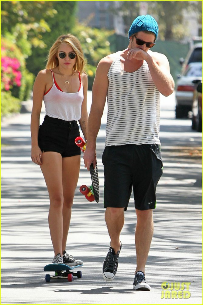 Miley Cyrus - Страница 3 13c1b27ceb08