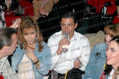 Даниэла Кастро / Daniela Castro - Страница 3 805d37df748f