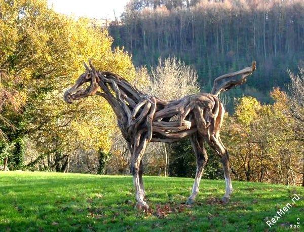 Потрясающие деревянные лошади 7c0cecbb01ef