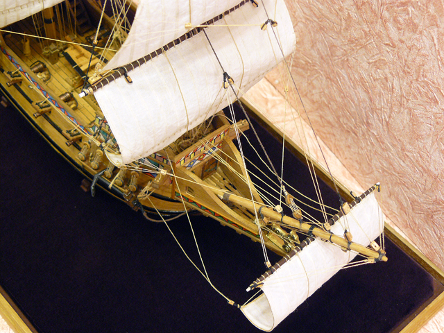 Галеон GOLDEN HIND (Золотая лань) ЖЕЛЕЗНОГО ПИРАТА масштаб 1:53 755202eba600