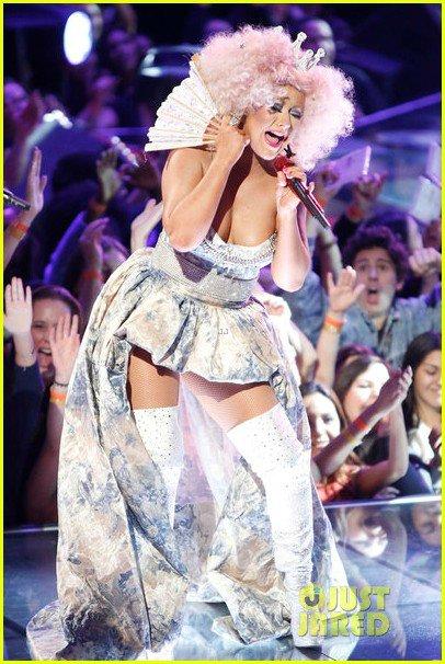 Christina Aguilera  - Страница 10 1e2139cd0126