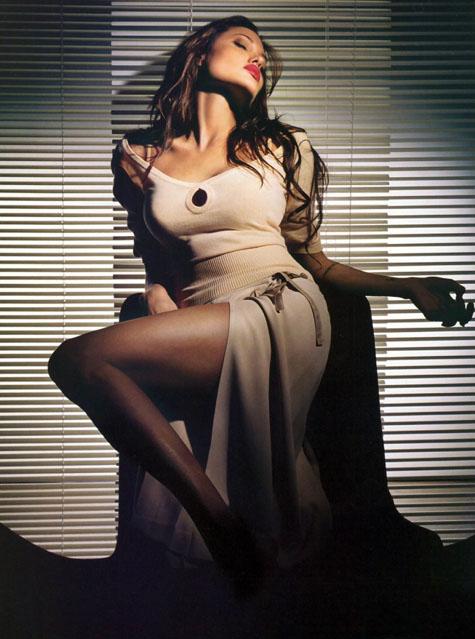 Анжелина Джоли / Angelina Jolie - Страница 2 Ae69cb0aa23b