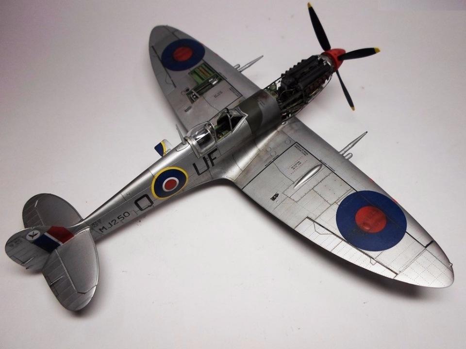 Supermarine Spitfire Eduard 1/48 0e377020aa5e