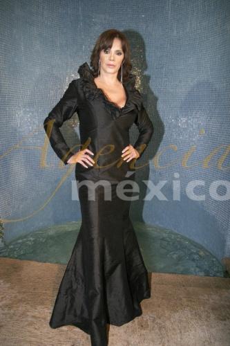 Лусия Мендес/Lucia Mendez 2 - Страница 33 98f105553db5