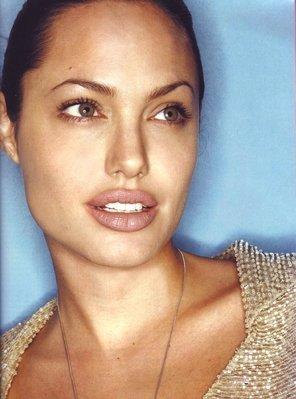 Анжелина Джоли / Angelina Jolie - Страница 2 13598d21da56