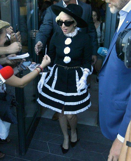 Lady GaGa  - Страница 4 3b55d591a94c