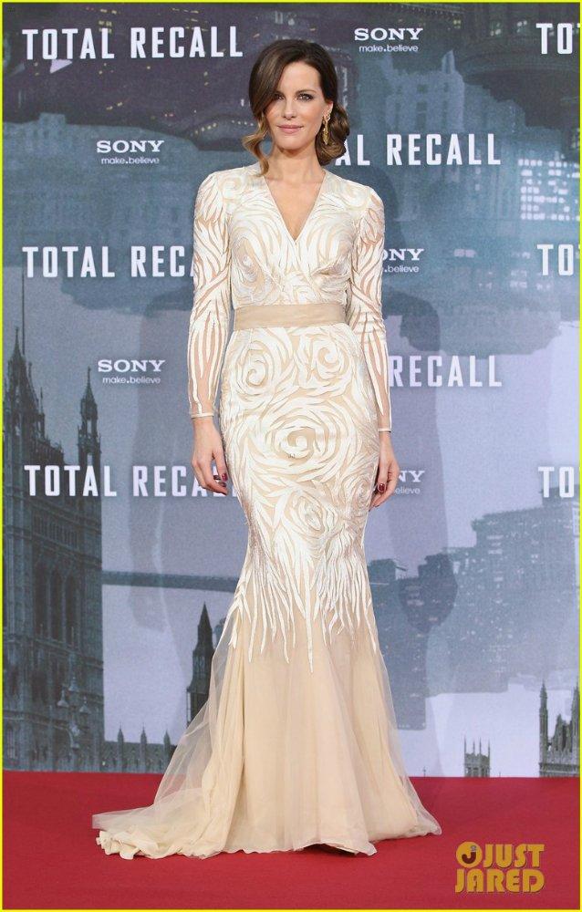 Kate Beckinsale - Страница 4 D5506bd23b0a