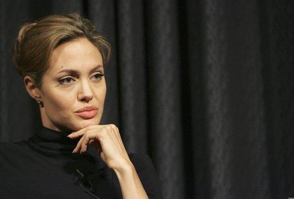 Анжелина Джоли / Angelina Jolie - Страница 2 Bee7a3a3bca1