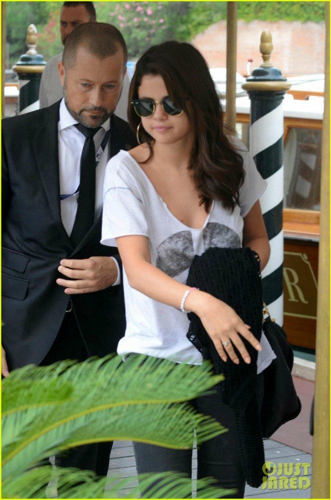 Selena Gomez | Селена Гомес - Страница 6 44351481db10