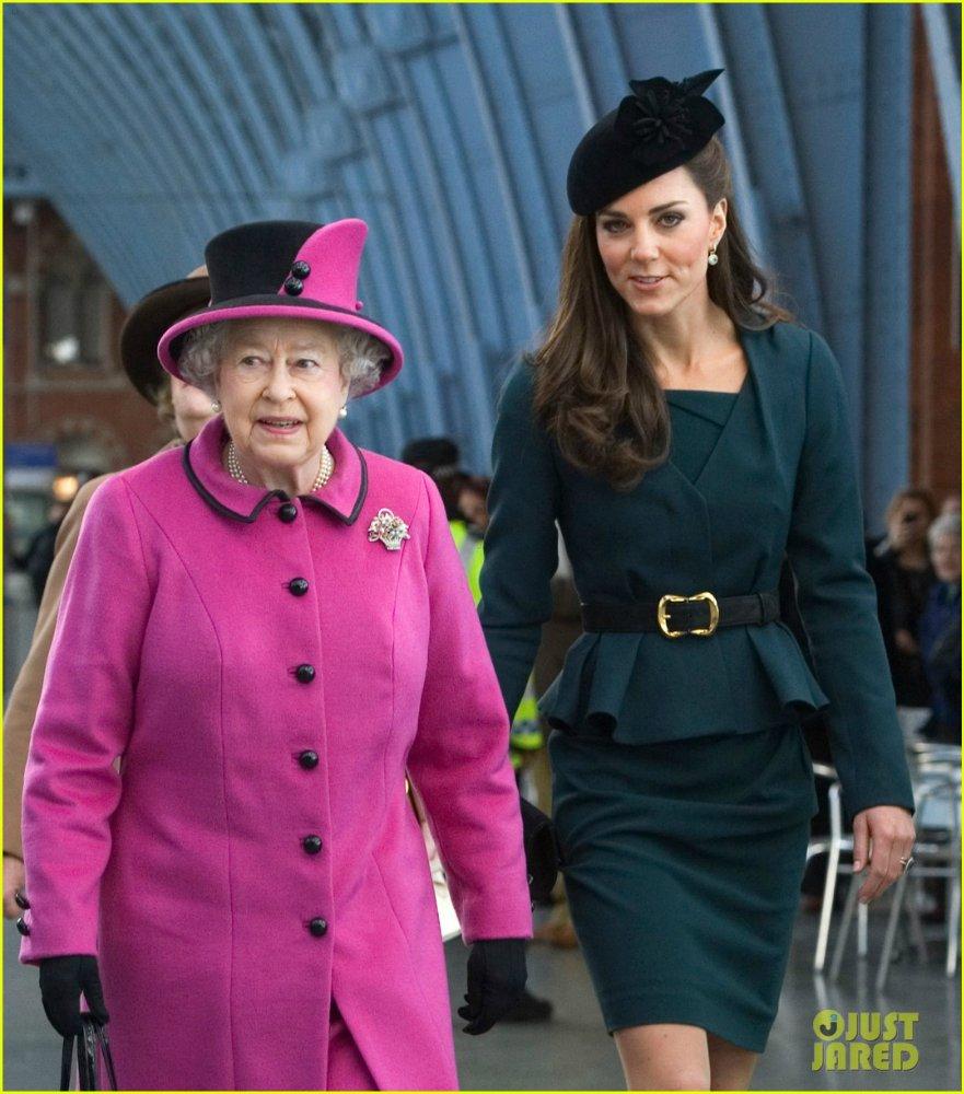 Королевские семьи - Страница 6 1e80e3b97c03