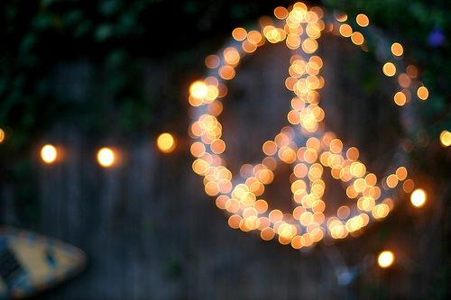 Se relier maintenant entre nous pour rayonner l'Amour - Page 4 Lights-peace-photography-Favim.com-499180