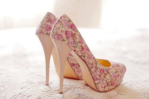 كولكشن أحذية بكعب عالي  أروع ما يكون  Fashion-flowers-high-heels-pink-Favim.com-523879